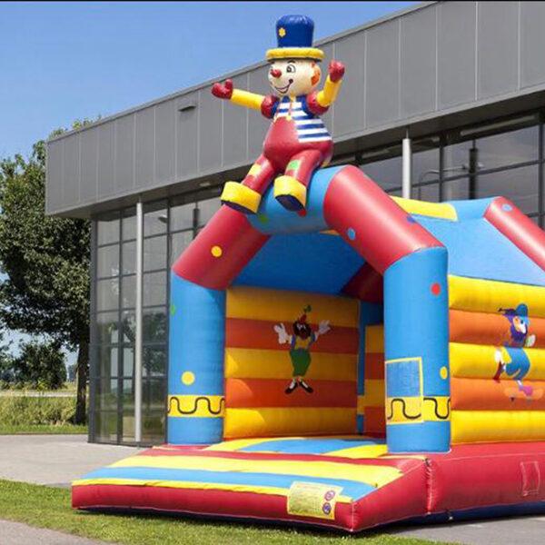 Springkussen circus zittende clown huren